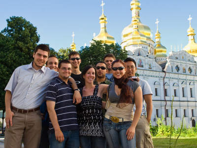 All programs in Kyiv come with a full cultural package to introduce students to the local culture. Here, students are exploring the Pechersk Lavra.